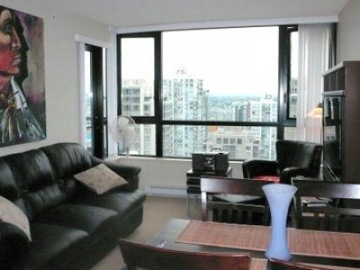 suite-2706_977-mainland-st-16
